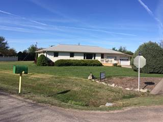 Single Family for sale in 601  Wedgewood Court, Quinter, KS, 67752