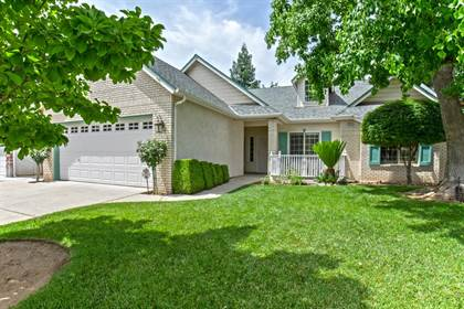 Residential for sale in 2584 E El Paso Avenue, Fresno, CA, 93720