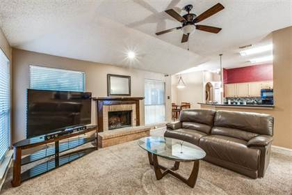 Residential for sale in 319 Crestview Drive, Arlington, TX, 76018