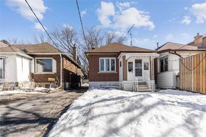 Residential Property for sale in 61 Yarrow Rd, Toronto, Ontario, M6M4E4
