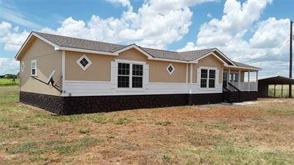 Residential for sale in 2009 Bluhm Road, West, TX, 76691