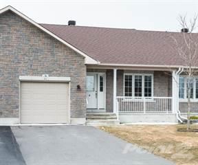 """Townhouse for sale in 94 Johanna Street in """"Riverfront Estates"""", Mississippi Mills, Ontario"""