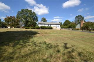 Single Family for rent in 1888 Jenkins Printing Drive, Newton, NC, 28658