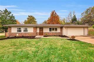 Single Family for sale in 103 Fiesta Circle, Creve Coeur, MO, 63146