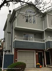 Townhouse for sale in 21 Lyman Avenue, Staten Island, NY, 10305