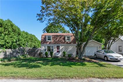 Residential Property for sale in 415 Chapmans Avenue, Warwick, RI, 02886