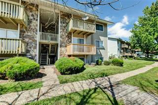 Tremendous Lake Saint Louis Mo Condos For Sale From 79 900 Point2 Home Interior And Landscaping Palasignezvosmurscom