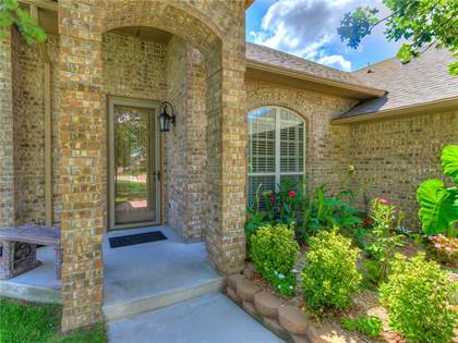Residential Property for sale in 2024 Camelot Drive, Midwest City, OK, 73130