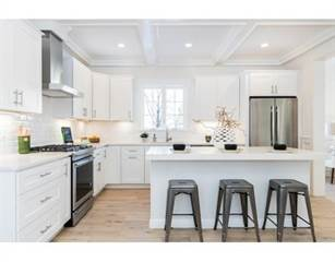 Townhouse for sale in 205 Crafts St 2, Newton, MA, 02460