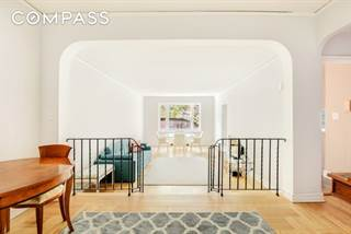 Townhouse for sale in 225 East 74th Street 2F, Manhattan, NY, 10021