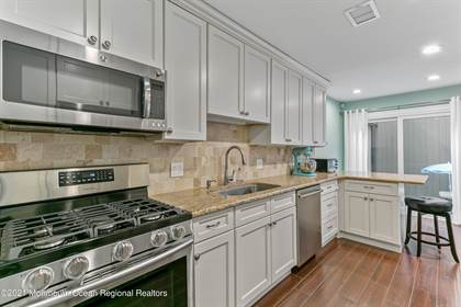 Residential Property for sale in 79 Riverbend Drive, North Brunswick, NJ, 08902