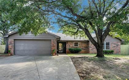 Residential for sale in 4000 Sumac Court, Arlington, TX, 76017