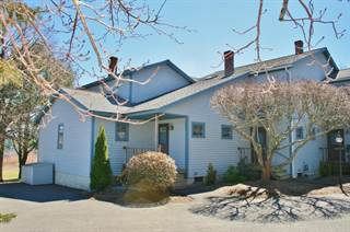 Townhouse for sale in 25 Main Street 2, Rockland, ME, 04841