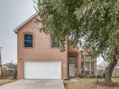 Residential for sale in 1501 Creekpark Court, Arlington, TX, 76018