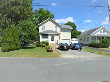 Residential Property for sale in 5 LATHAM RD, Greater Castleton - on - Hudson, NY, 12033
