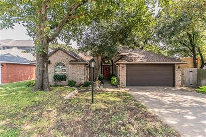 Residential for sale in 3517 Summer Trail Court, Arlington, TX, 76016