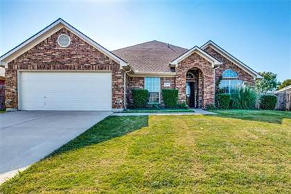 Residential for sale in 1502 Mt Zion Drive, Arlington, TX, 76018