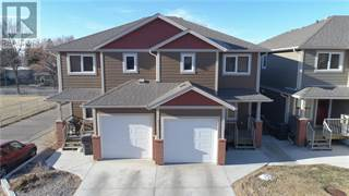 Condo for sale in 637 12A Street N, Lethbridge, Alberta