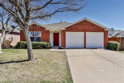 Residential for sale in 8232 Ranch Hand Trail, Fort Worth, TX, 76131