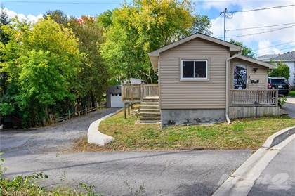 Residential Property for sale in 92-94 SUNNYHILL Road, Cambridge, Ontario, N3C 1J5