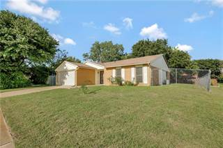 Single Family for sale in 7665 Parkwood Lane, Fort Worth, TX, 76133