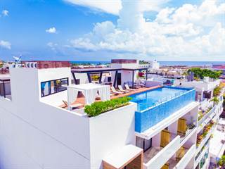 Condo for sale in 2 BEDROOMS CONDO FOR SALE WITH LOCK OFF SYSTEM, Playa del Carmen, Quintana Roo