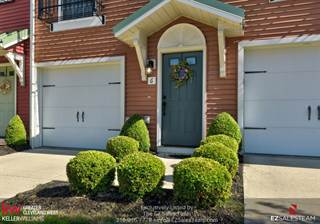Townhouse for sale in 6 Grandview Dr, Rocky River, OH, 44116