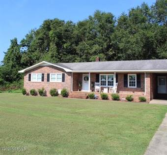 Residential for sale in 1996 Fountaintown Road, Chinquapin, NC, 28521