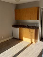 Single Family for rent in 715 MAIN Street E, Hamilton, Ontario, L8M1K8