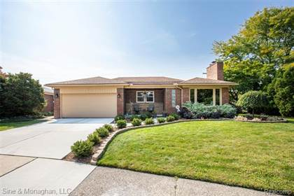 Residential Property for sale in 23100 S. Rosedale Court, St. Clair Shores, MI, 48080