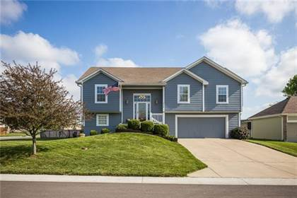 Residential Property for sale in 2116 SW CHASE Drive, Lee's Summit, MO, 64082