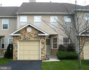 Townhouse for rent in 204 HESKERS COURT, South Brunswick Township, NJ, 08852