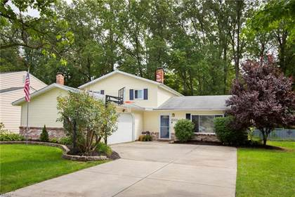 Residential for sale in 6053 Paisley Dr, North Olmsted, OH, 44070