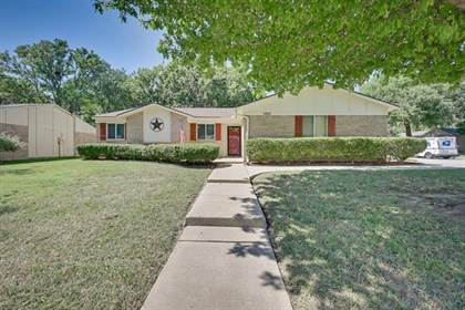Residential for sale in 5312 Windy Meadow Drive, Arlington, TX, 76017