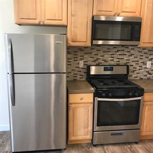Apartment for rent in 10404 S Main St, Los Angeles, CA, 90003