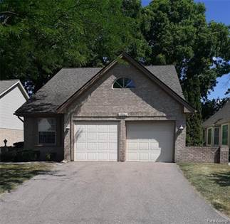 Residential Property for sale in 906 WHISPERWOOD Drive, Fenton, MI, 48430