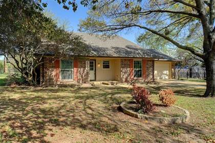 Residential for sale in 2917 Sandy Lane, Fort Worth, TX, 76112
