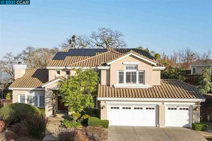 Residential Property for sale in 15 Julie Highlands Ct, Lafayette, CA, 94549