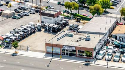 Commercial for sale in 8836 Lakewood Boulevard, Downey, CA, 90240