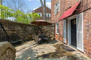 condos for sale bronxville 27 apartments for sale in bronxville rh point2homes com