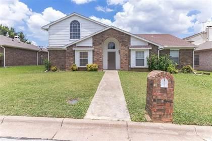 Residential for sale in 1005 Flower Drive, Arlington, TX, 76017