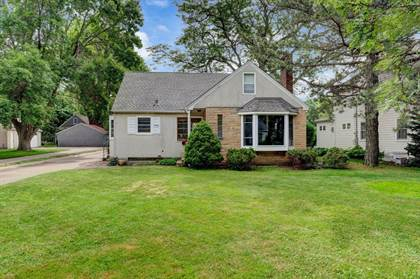 Residential for sale in 1740 Holton Street, Falcon Heights, MN, 55113