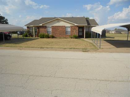 Multifamily for sale in 104-106 Bluebonnet Dr., Winters, TX, 79567