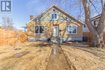 Single Family for sale in 353 1 Avenue NW, Medicine Hat, Alberta, T1A6R8
