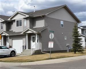 Condo for sale in 14 Sierra Avenue SW, Medicine Hat, Alberta, T1B 0A5