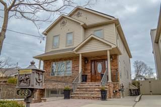Duplex for sale in 668 Edgegrove Avenue, Staten Island, NY, 10312