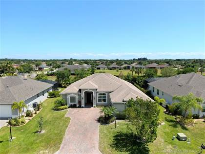 Residential Property for sale in 703 SW Fortunella Cir SW, Vero Beach, FL, 32968