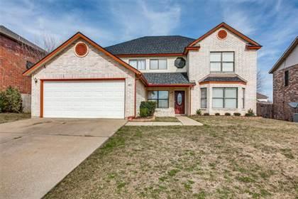 Residential for sale in 203 Menlo Park Drive, Arlington, TX, 76002