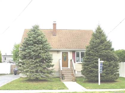 Residential Property for sale in 49 Mortimer Avenue, Babylon, NY, 11702