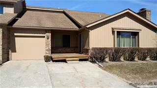 Condo for sale in 37532 N LAUREL PARK Drive, Livonia, MI, 48152